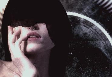 MirrorMaze – Worn and Torn