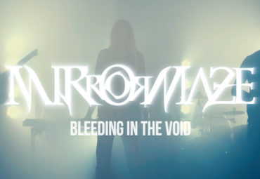 MirrorMaze – Bleeding in the Void